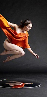 """""""Flying"""" - Lois Greenfield"""